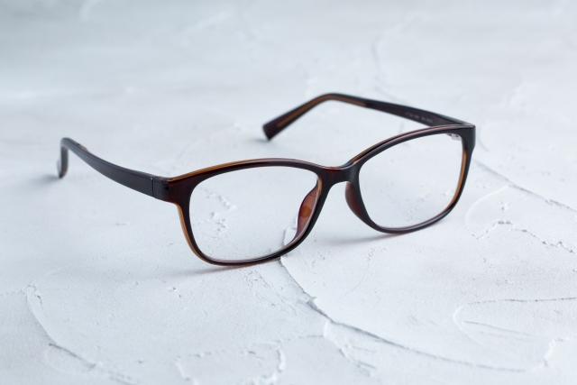 彼女のウラ世界で剛力彩芽が演じる近藤明子の眼鏡が欲しい!どこで買える?